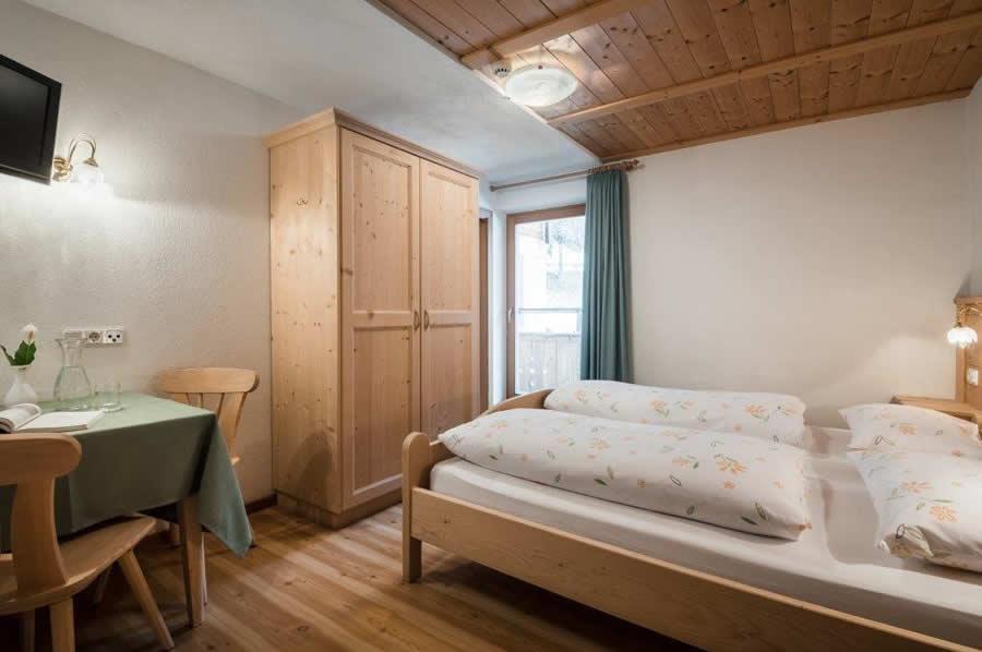 room rit hotel ciurnad la val alta badia. Black Bedroom Furniture Sets. Home Design Ideas